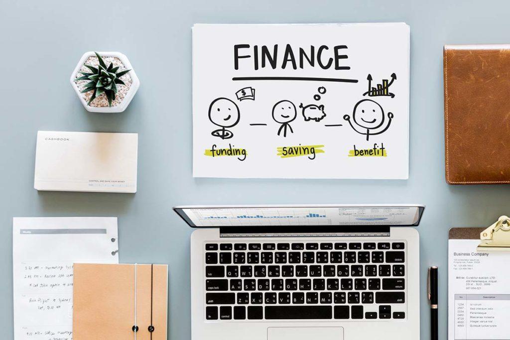 managing money finance planning desk